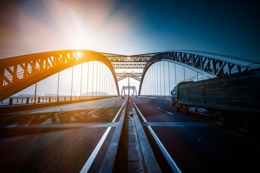 Bridge the cash flow gap with factoring